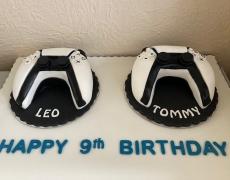 Leo & Tommy - PS5 B.jpg