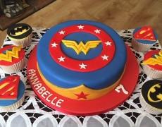 WonderWoman & SuperWoman BatGirl cupcakes.jpg