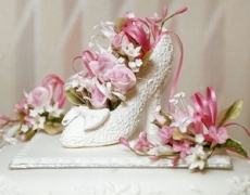 pink-roses-in-wedding-shoe