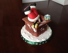 santa-stuck-in-the-chimney