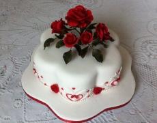 red-roses-petal-cake