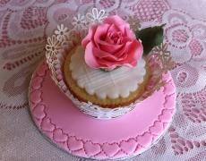 single-pink-rose